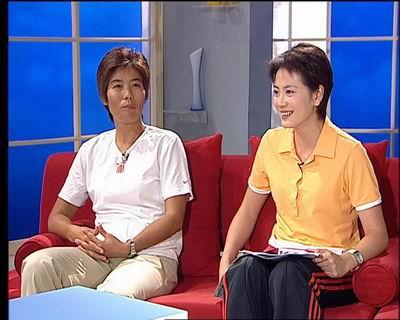 新闻会客厅:女网双打夺冠 胜利归来