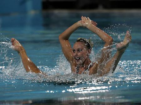 图文:双人花样游泳决赛