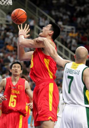 图文:奥运会男篮1\/4决赛 中国75比95负立陶宛