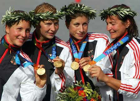 图文:女子4人皮艇500米 德国选手获得冠军