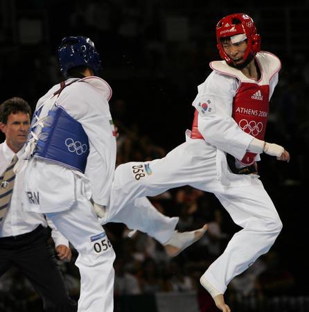 图文:跆拳道男子68公斤级