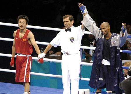 图文:男子48公斤级半决赛