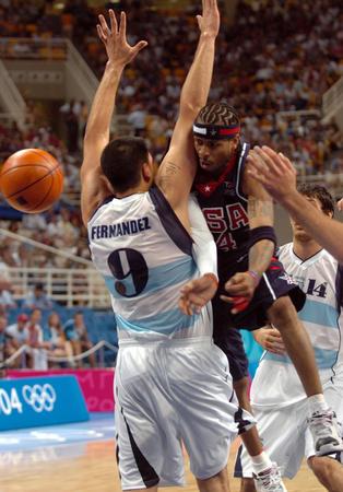 根廷男篮胜梦六队 阿根廷队费尔南德斯-2004雅