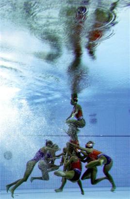 图文:奥运花絮图片 罗汉塔