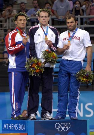 图文:男子自由式摔跤84公斤级