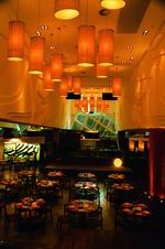 购物中心:九龙区最大型购物中心又一城