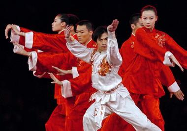 黄豆豆用中国传统武术为北京奥运做宣传(图)