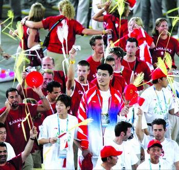 刘翔接过姚明的大旗 雅典结束北京2008开始(图)