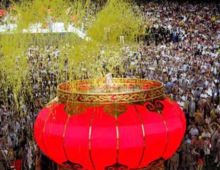 图文:奥运闭幕式 巨型灯笼