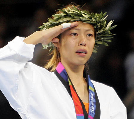 新华社评选出雅典奥运会十大新闻之四