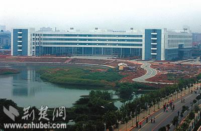 华中科技大学校园图,