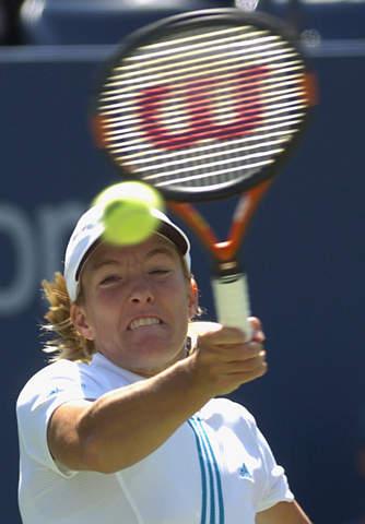 美网第二轮女单头号种子海宁轻松晋级下一轮