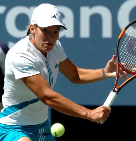 美国网球公开赛战况 海宁比赛中回球