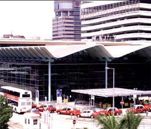 明星闪耀的红磡:贯穿中港两地的火车站