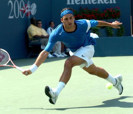 ...美国网球公开赛男子单打第三轮比赛中以3比0战胜法国选手桑...