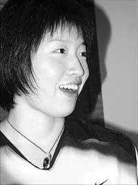 谜一般的杭州女孩 女蛙王罗雪娟幻想象牙塔生活