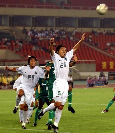 之泉胜浙江绿城新华社照片,杭州,2004年9月5日[体育]