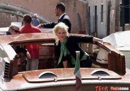 图文:妮可-基德曼抵达威尼斯-1