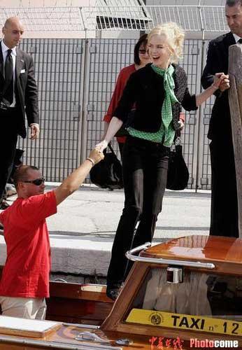 图文:妮可-基德曼抵达威尼斯-5
