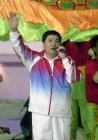 图文:奥运金牌精英大汇演 王义夫演唱