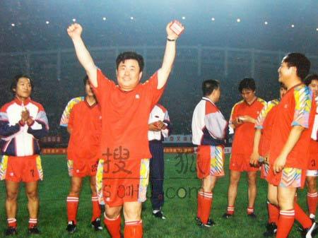 图文:中国明星足球队精彩图片-75