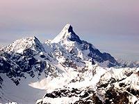 半脊峰攀登指南