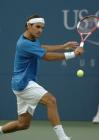 图文:费德勒夺得美网男单冠军 费德勒大力击球