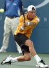 图文:费德勒夺得美网男单冠军 休伊特在比赛中