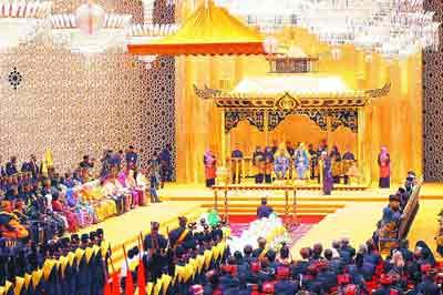 黄金加钻石 文莱王储大婚成为世纪豪华婚礼(图)