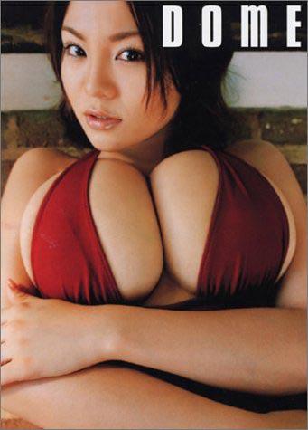 组图:傲人双峰成就日本女明星奇景