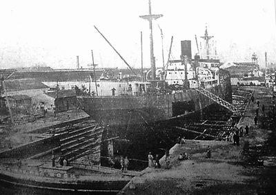 """""""官府""""号是中国历史上第一次建造的万吨级出口船的首"""