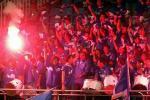 图文:山东2-1申花 上海申花球迷在为本队助威