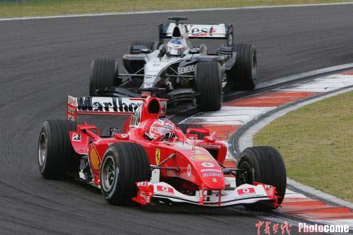 图文:F1大奖赛中国站 巴里切罗在弯道上