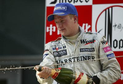 图文:F1大奖赛中国上海站 雷克南开香槟庆祝