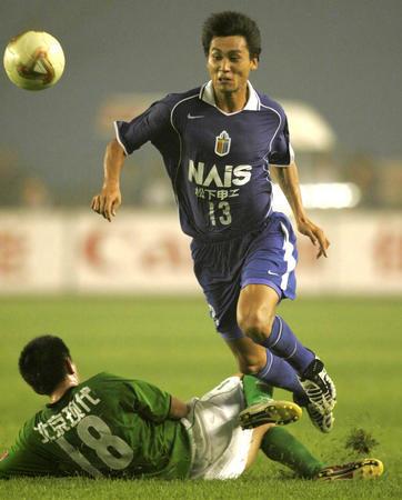 图文:北京现代2-0胜国际