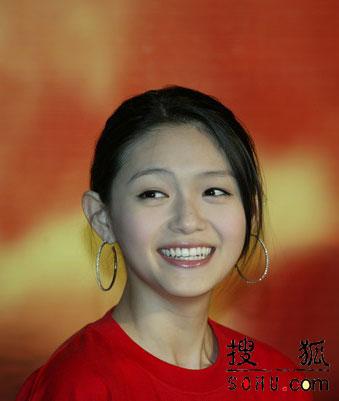 图文:大S徐熙媛与老板排吻戏