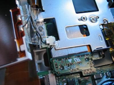 拆卸lcd,两根的是lcd的电源线