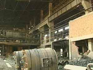 经济半小时:宏观调控下钢铁业举步维艰