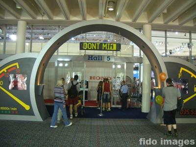 2004澳大利亚国际车展--只说热闹,不说车