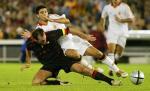图文:西班牙主场2-0击败比利时 雷耶斯力压高尔