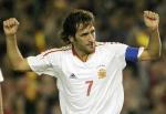 图文:西班牙主场2-0胜比利时 劳尔高挥双臂庆祝