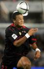 图文:西班牙主场2-0胜比利时 考姆巴尼奋力顶球