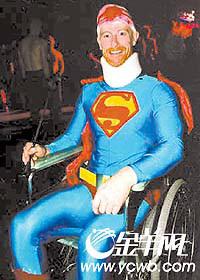 """""""超人""""对英雄的解释:不计后果 勇敢行动的人"""