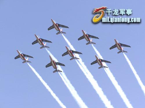 """""""大老远来就为这个"""":法巡逻兵蓝天翱翔(图)"""