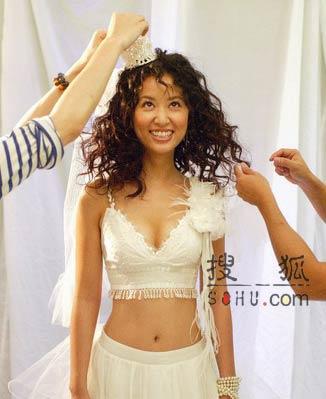 图文:林心如披性感婚纱:身材好不怕没人要-1