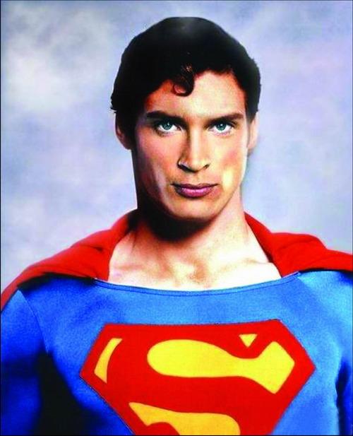 好莱坞影星《超人》主演克里斯托弗-瑞夫去世