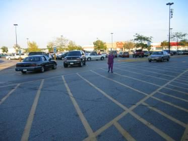 让驰骋的汽车有个歇脚的地方--停车场一瞥