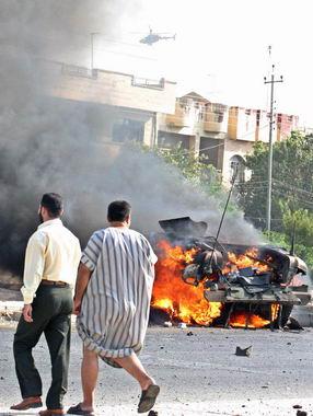 摩苏尔发生自杀式汽车弹爆(图)