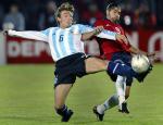 图文:阿根廷0-0智利 海因策奋不顾身断来球