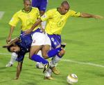 图文:巴西0-0哥伦比亚 罗纳尔多力拼科尔多